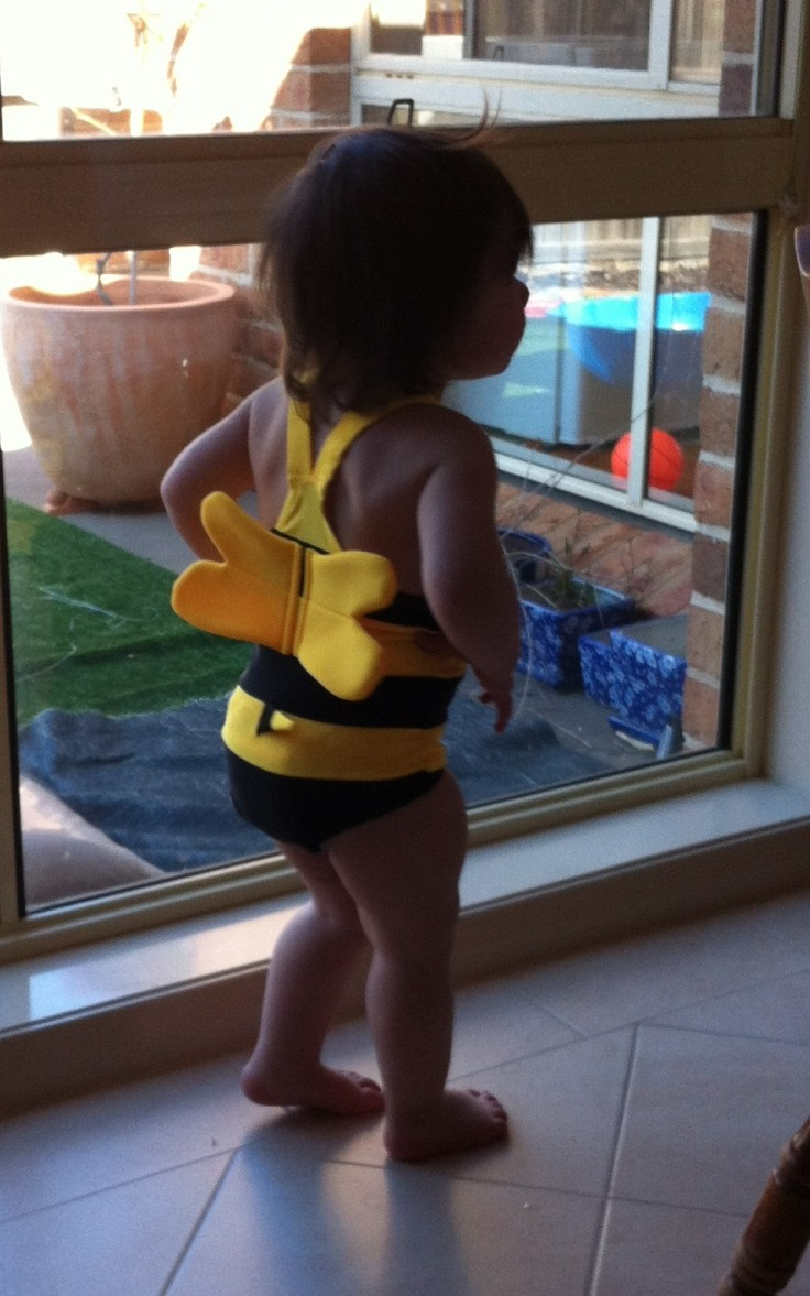Arddun in bee costume, back view