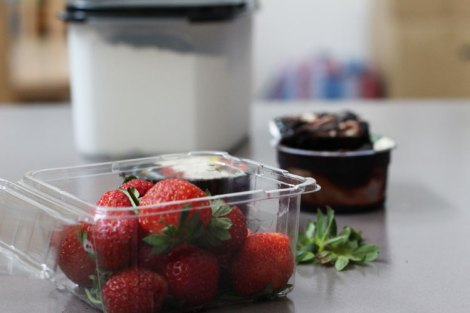 Strawberries and chocolate dipping sauce