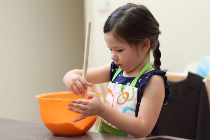 Arddun mixing flour