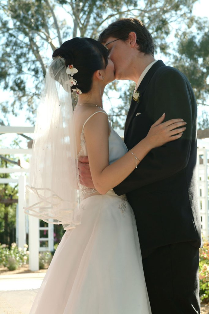 Kiss at wedding