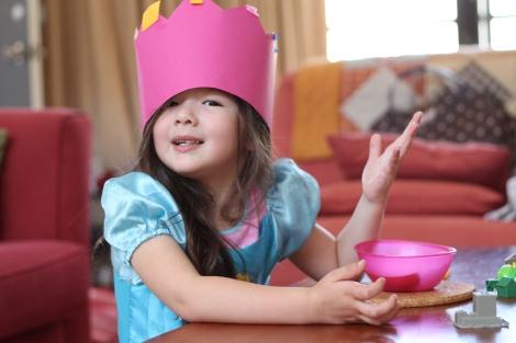 Arddun with pink handmade crown