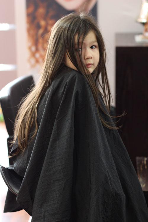 Arddun on hairdresser dress